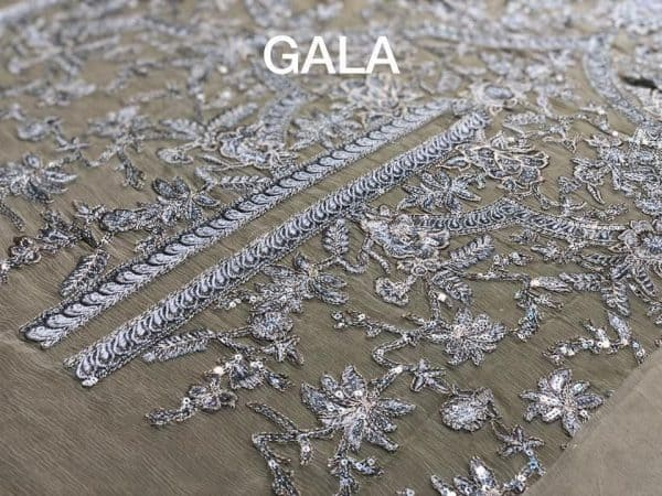 Beige Ring-front gala